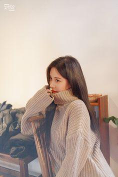 Seohyun graces us with stunning behind-the-scene photos of commercial shoot. Seohyun, Snsd, Korean Actresses, Korean Actors, South Korean Girls, Korean Girl Groups, Scene Photo, First Girl, Celebs