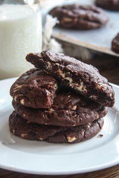 Van Stapele Koekmakerij Replica recipe - Valhorana + quadruple chocolate soft fudgy cookies