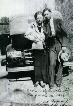 Bonnie and Clyde: The Love Before The Death – 16 Rare Pictures of Criminal Couple in the Early Bonnie And Clyde Death, Bonnie And Clyde Photos, Texas Prison, Mafia Gangster, Real Gangster, Hiding In The Bushes, Elizabeth Parker, Faye Dunaway, Amor