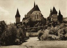 Romania (Biertan) - old photos - by Kurt Hielscher Vintage Photographs, Romania, Old Photos, Barcelona Cathedral, Fairy Tales, History, Pictures, Photography, Travel