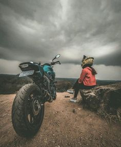 Cartoon Wallpaper Hd, Cute Emoji Wallpaper, Cute Girl Poses, Girl Photo Poses, Sad Pictures, Nature Pictures, Islamic Girl Images, Motorbike Girl, Motorcycle Gear