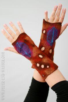 Leuchtende violette Blatt fingerlose Handschuhe von FeuerUndWasser