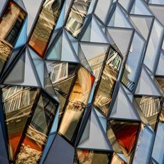 367 Oxford Street by Future Systems The occupants can step into the bays to look down the street. Facade Architecture, Amazing Architecture, Triangles, Future Systems, Retail Facade, Oxford Street, Facade Design, Built Environment, Abstract Photography