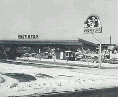 Dog n Suds root beer! Priscilla Barnes, Cafe Counter, Retro Food, Retro Recipes, Department Store, Root Beer, Childhood Memories, Restaurants, Spaces