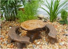 "TREE STUMP TABLE W/ BENCH (SET 3)  1.75H x 4W"""