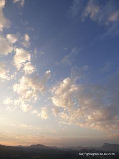 grain de sel - salzkorn: Familiäre Wolken