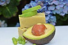 mydło z awokado Soap Making, Perfume, Herbs, Fruit, Health, How To Make, Food, Spa, Health Care