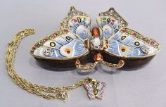 New Trinket Box Gift Crystals Beautiful Butterfly Animal Necklace
