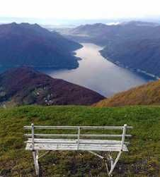 Hiking and walking in Lake Como provides for some unrivalled panoramas and vistas from the lake to high atop snow covered mountains. Sorrento Italy, Naples Italy, Sicily Italy, Italy Vacation, Italy Travel, Italy Trip, Toscana Italy, Tuscany, Lake Como Italy