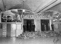 The Avenue of Light in Barcelona, or Avenida de la Luz in Spanish was opened in 1940 as the first underground shoppping mall in Europe. Fc Barcelona, Real Madrid, Old Photos, Vintage Photos, Cinema, Like Image, Old City, Shopping Mall, The Good Place