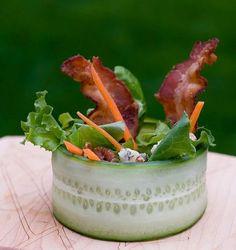 Cucumber Wrap Salad w/ Bacon  idea para montar los ñoquis con un crocante de queso bastante amplio