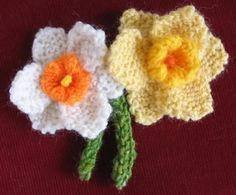 All free knitting patterns for roses, daisy, daffodils, poppy and more! Free Knitted Flower Patterns, Knitting Patterns Free, Knit Patterns, Free Knitting, Free Pattern, Pattern Ideas, Yarn Flowers, Crochet Flowers, Knitting Projects