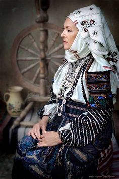 Borshchiv, W. Ukraine, section called Podilia Folk Fashion, Ethnic Fashion, Ukraine, Folk Costume, Costumes, Ukrainian Art, Ukrainian Ladies, Folk Clothing, Mode Boho