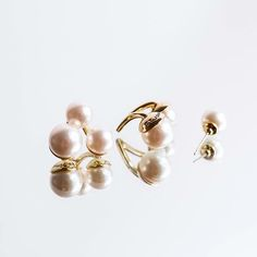 Not your mother's pearls, but they should be. Shop Mother's Day Gifts with the link in our bio.  #StJohnStyle #pearls #accessories #mothersday #earrings