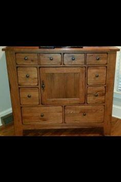 Broyhill Attic Heirlooms Dresser ❤️