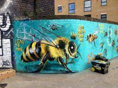 BEE~ Street art by Louis Masai