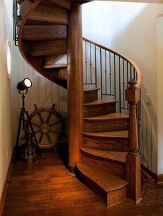 Staircase Spiral Staircase Design, Pictures, Remodel, Decor and Ideas - page 5 Style At Home, Loft Mezzanine, Nautical Home Decorating, Interior Decorating, Decorating Ideas, Decor Ideas, Traditional Staircase, Stair Lighting, Wood Architecture