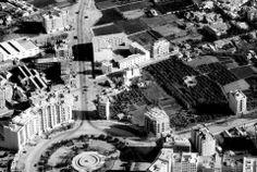 Murcia, Plaza Redonda C. 1965 hacia ronda levante. A la dcha. está Alfonso X el sabio Murcia, Times Square, Spain, Plaza, Travel, Antique, Old Bridges, Mail Boxes, Wanderlust