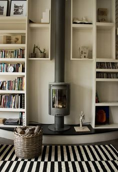 Home Interior Salas .Home Interior Salas My Living Room, Small Living, Contemporary Wood Burning Stoves, Wood Stove Surround, Fireplace Bookshelves, Bookcases, Haus Am See, Freestanding Fireplace, Fireplace Design