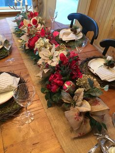 Luxury Christmas garland, 5' Poinsettia garland, Burlap garland, Floral Christmas garland, Winter centerpiece, Holiday garland, Floral décor at OutdoorzInTrendz on Etsy!