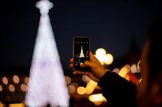 Videos, Hd Wallpaper, Tea Lights, Hold On, Smartphone, Christmas Tree, Concert, Electronics, Blog