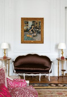Former couture salon of Christian Dior which was transformed into an apartment prive by Peter Marino.  It includes  This art Dior himself would not want to miss: a small oil painting of Bébé Bérard, a Toulouse-Lautrec, a late Renoir, Édouard Vuillard ..