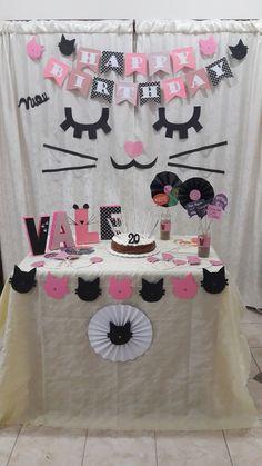 Decoracion de gatitos Cat Birthday, 1st Birthday Parties, Birthday Party Decorations, Kitty Party, Cat Themed Parties, Adoption Party, Fiesta Party, Animal Party, Cats