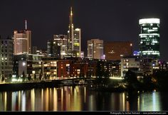 https://flic.kr/p/AmFWn6 | Skyline seen from Main-Neckar-Brücke @ Night, Frankfurt, Germany