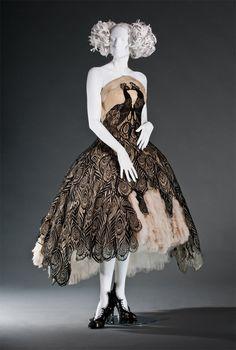 Pfau-Kleid von Alexander McQueen