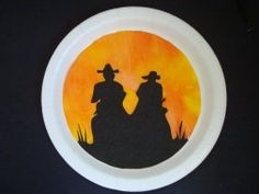 Giddy-Up Cowboys and have some fun making these cool Cowboy-Western Crafts. These are great crafts for birthday parties or for a western theme day at school! Vbs Crafts, Camping Crafts, Cute Crafts, Preschool Crafts, Texas Crafts, Paper Crafts, Kindergarten Crafts, Teaching Kindergarten, Preschool Ideas