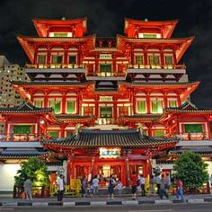 Sights to See in Singapore - Buddha Tooth Relic Temple