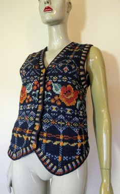 LAURA ASHLEY Tapestry Cardigan, S Small Sleeveless Cardigan, Body Warmer, Cute Sweaters, Laura Ashley, Hand Knitting, Archive, Tapestry, Plaid, Group