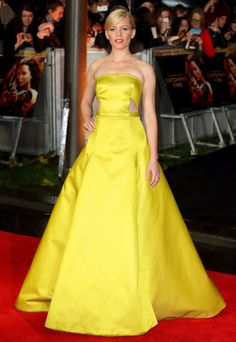Elizabeth Banks wore a custom Jason Wu dress at the premiere of The Hunger Games: Catching Fire in London.
