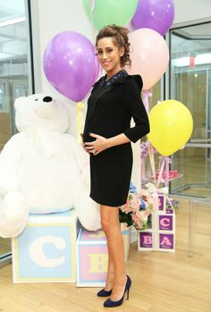 How cute is Danielle Jonas' pregnancy belly?!