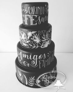 bolo fake de lousa - Pesquisa Google Bolo Chalkboard, Cool Cake Designs, Homemade Birthday Cakes, Black Wedding Cakes, Sweet 15, Wedding Cookies, Sugar And Spice, Cupcake Cookies, Cake Art