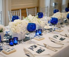 How gorgeous is this table setting for a nautical wedding?