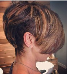 63 Flattering Bob Hairstyles on Older Women - Hairstyles Trends Short Sassy Hair, Short Hair Cuts, Short Hair Styles, Natural Hair Styles, African Hairstyles, Bob Hairstyles, Straight Hairstyles, Casual Hairstyles, Black Hairstyles