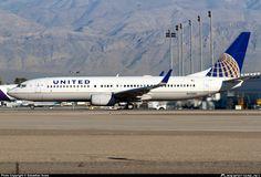 N33284 United Airlines Boeing 737-800