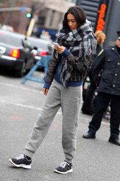 #ShuPei having a sporty spice moment with an epic scarf #offduty.