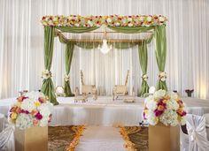 Indian Wedding Mandap Decoration With Flowers Ideas Pictures Wedding Mandap, Desi Wedding, Elegant Wedding, Trendy Wedding, Backdrop Wedding, Wedding Ceremony, Wedding Halls, Wedding Canopy, Wedding Receptions