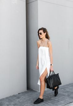 THE PERFECT STRAPLESS DRESS.