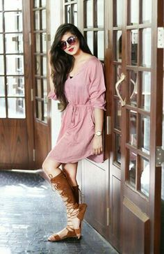 Indian Model Actress Latest Pictures News and Biography Stylish Photo Pose, Stylish Girls Photos, Stylish Girl Pic, Stylish Dp, Cute Girl Poses, Girl Photo Poses, Beautiful Girl Photo, Cute Girl Photo, Simple Frock Design