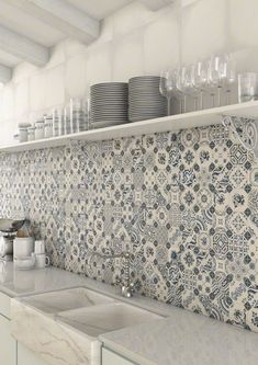 Top 15 Patchwork Tile Backsplash Designs for Kitchen 2019 white-blue-patchwork-backsplash-world-parks-vives.jpg The post Top 15 Patchwork Tile Backsplash Designs for Kitchen 2019 appeared first on Quilt Decor. Backsplash Tile Design, Patchwork Tiles, Kitchen Wall, Interior, Tile Backsplash, Patchwork Kitchen, Kitchen Wall Tiles, Kitchen Splashback, Kitchen Design