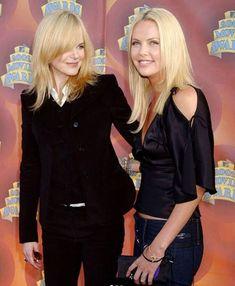 Nicole & Charlize Lisa Kelly Trucker, Actrices Blondes, Nicole Kidman Style, Charlize Theron Oscars, Blonde Actresses, Mtv Movie Awards, Muslim Fashion, Women's Fashion, Celebs