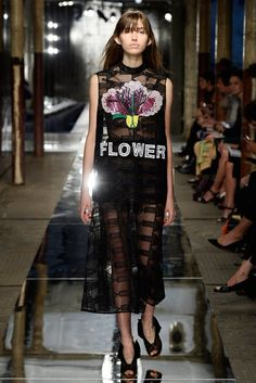 Christopher Kane Spring 2014 Ready-to-Wear Fashion Show - Gabby Dover