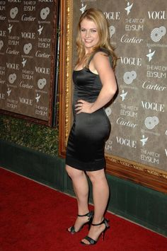 Who is Melissa Joan Catherine Hart? The entertainment and acting world knows her as Melissa Joan Hart. Hart is an American actress, writer,. Melissa Joan Hart, Melissa & Joey, Satin Dresses, Sexy Dresses, Sabrina Spellman, Maggie Gyllenhaal, Famous Women, Beautiful Celebrities, Short Celebrities