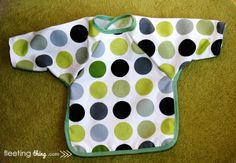 Baby bib with sleeves (pattern)