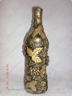 Wine Bottle Art, Bottle Box, Diy Bottle, Wine Bottle Crafts, Bottles And Jars, Glass Bottles, Clay Crafts, Arts And Crafts, Painted Glass Vases