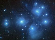 Plejaden, Sterne, Sternhaufen                              …