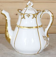 Old Paris Porcelain ~ Antique Vieux Paris Coffee Pot...I love Old Paris and collect the vases!